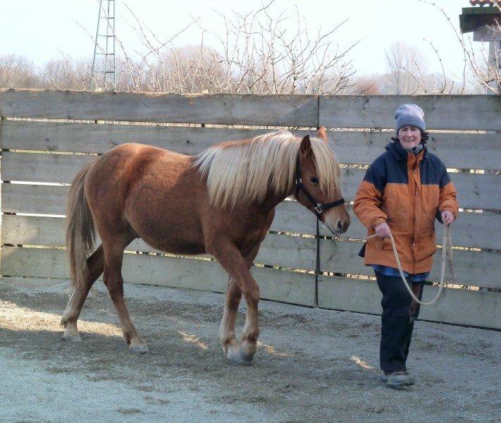 2011-03-04 Donason Schritt von rechts
