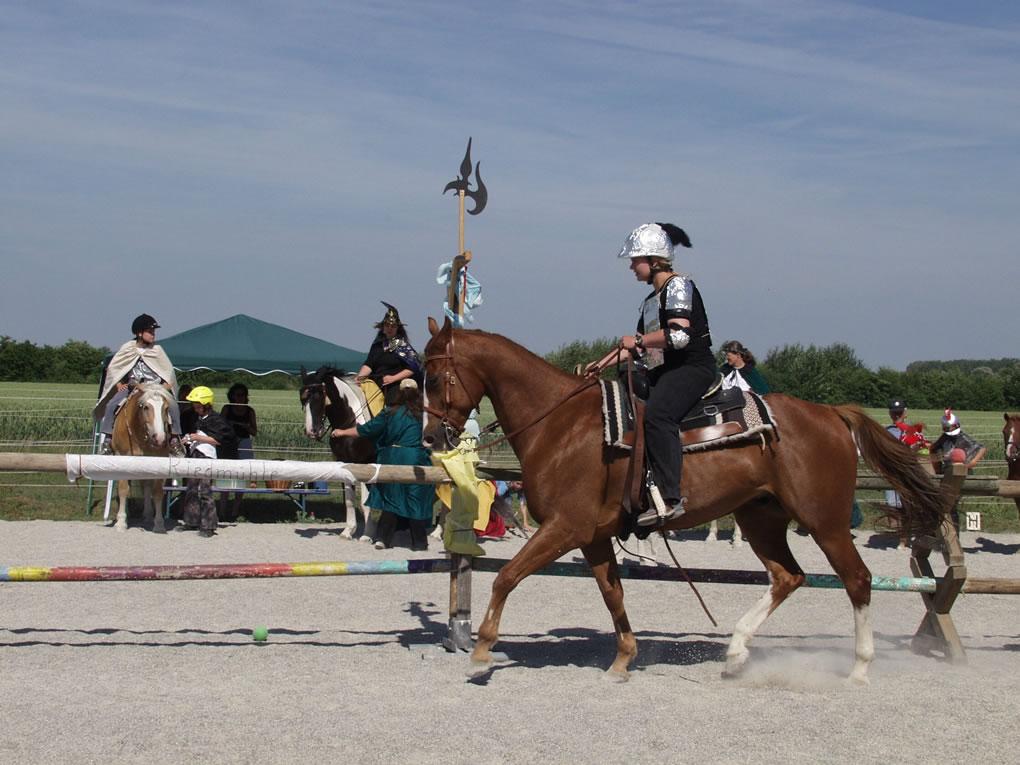 2003-06-ritterturnier-schwertschlagen-04